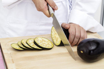 Slicing aubergines