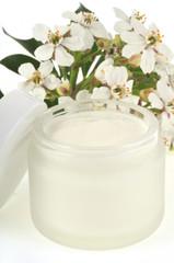 Crème de beauté au fleurs d'amandier