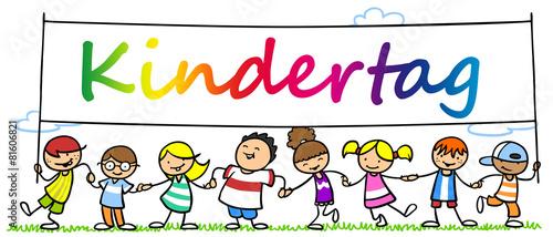Leinwanddruck Bild Viele Kinder feiern Kindertag zusammen