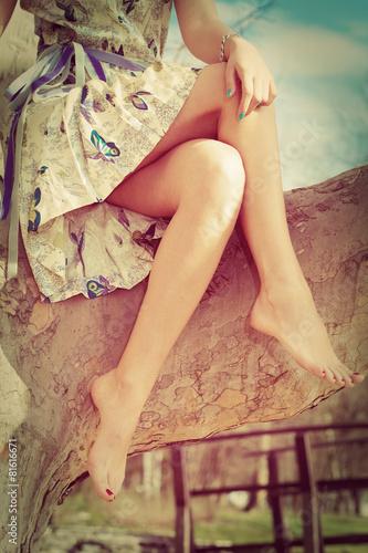 barefoot woman legs - 81616671