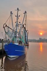 im Hafen von Greetsiel in Ostfriesland an der Nordsee