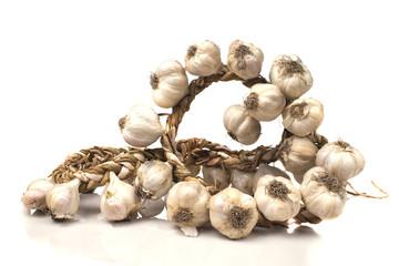 bunch of dried garlic cloves