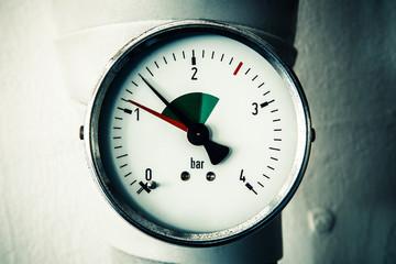 Household pressure gauge toned