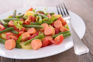 green bean salad with sausage