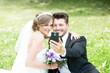 Hochzeitspaar macht selfie