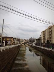 干上がった川