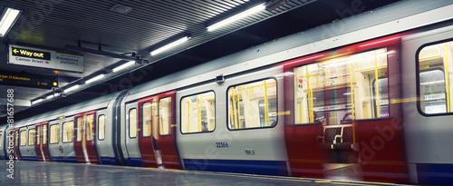 In de dag Londen London underground