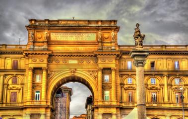 The arch and the Column of Abundance on Piazza della Repubblica