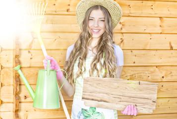Frau bei der Gartenarbeit