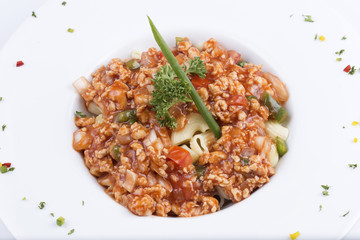 Macaroni with tomato chicken sauce