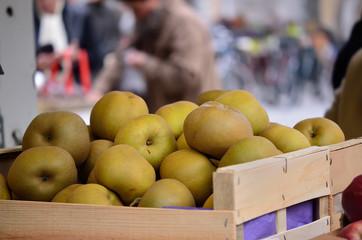 pommes reinettes  du canada au marché