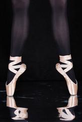 Ballerina -Tänzerin  - Beine mit Spitzenschuhe