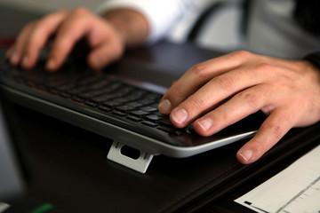 Bilgisayar Klavye