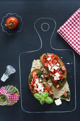 Bruschetta mit Tomaten und Spinat