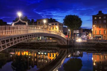Bridge in Dublin at night