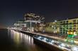 kranhäuser im Rheinauhafen bei nacht