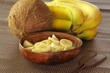 bananes et noix de coco