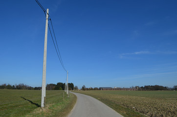 Agricultural road and electrical pole in Huldenberg