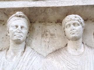 Monumento funerario su Via Appia Antica