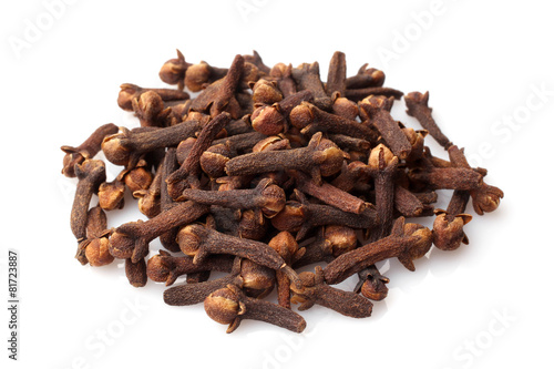 Dried cloves - 81723887