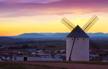 Wind mills at Campo de Criptana in evening