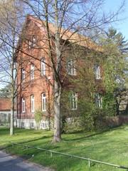 Rotes Backsteinhaus im Ravensburger Park in Bielefeld in OWL