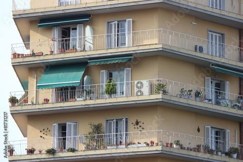 Balkon dookoła domu