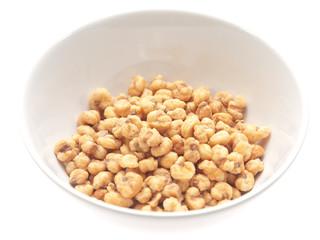 toasted corn kernels