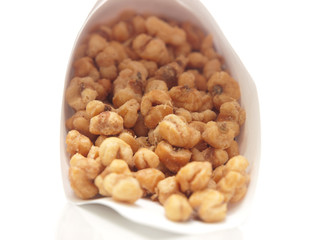 toasted corn kernels