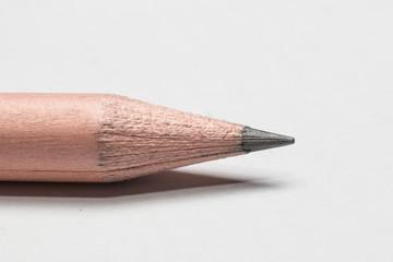 Bleistift vor weissem Hintergrund