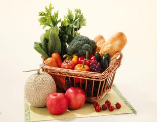 野菜とフルーツのバスケット