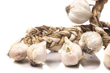 bunch of dried white garlic