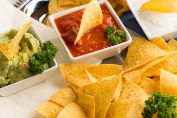 Nachos und Tortilla-Chips