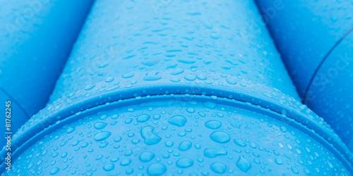 Leinwanddruck Bild Tropfen auf Wasserleitung