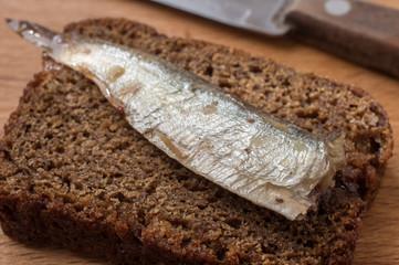 Rye bread with sardine