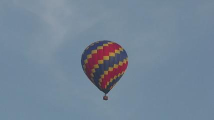 Hot air balloon in flight 4K