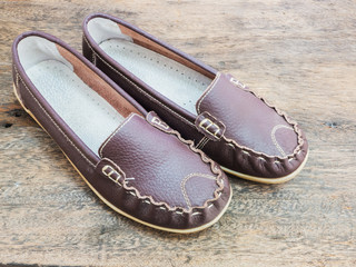 leather lady shoe brown color