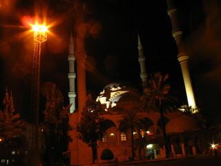 Мечеть в ночных огнях