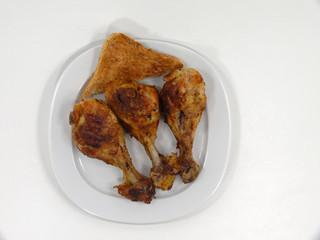 gegrillte Hähnchenunterschenkel