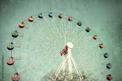 Colorful Giant ferris wheel against, Vintage style - 81794657