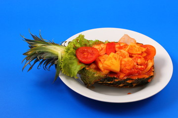 sweet and sour shrimp in pineapple thai style