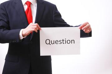 質問する男性