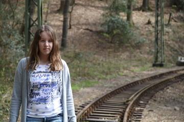 Sehnsucht - Mädchen an den Gleisen