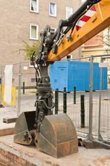 Strassenbau mit der Doppelschaufel - Schüttgutgreifer