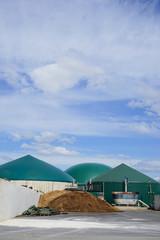Biogasanlage, Silagereste - Abfalllagerung, Beschickungsbehälter