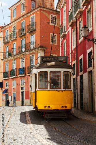 Papiers peints Vue aerienne tram on narrow street of Alfama, Lisbon