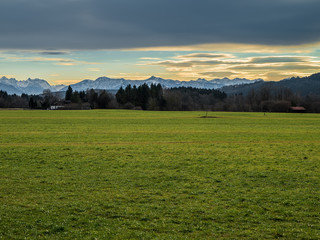 Bayrisches Alpenpanorama von Gelting bei Wolfratshausen