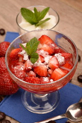 COCKTAIL AND DESSERT OF STRAWBERRIES