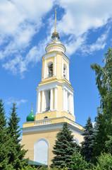 Колокольня Свято-Троицкого Ново-Голутвина монастыря в Коломне