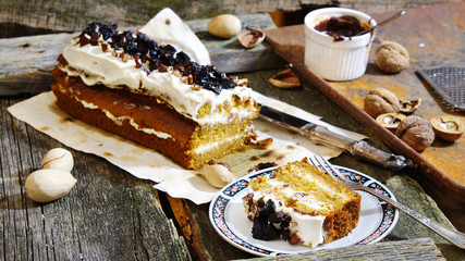 carrot cake with pecans and prunes